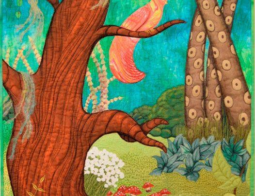 Pièce d'art textile Savais-tu? par Christine Grenier. Scène d'une forêt enchantée avec des arbres, des fleurs et deux oiseaux. Fantaisie, couleur et texture.